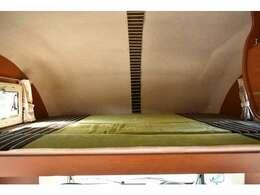 バンクベッドも広々です☆サイズは170cm×190cm(大人3名)になります♪