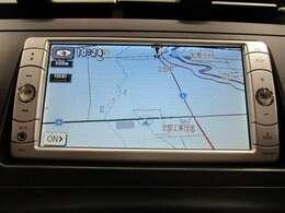トヨタ純正メモリーナビゲーション付き♪ワンセグTV・CD・AM・FMが視聴可能☆使い勝手も良く、操作も簡単です!お気に入りの選曲で、通勤・ドライブを快適にどうぞ♪