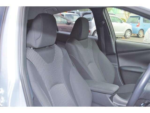 ☆フロントシートの状態は、シミや汚れも無くとても綺麗です♪☆