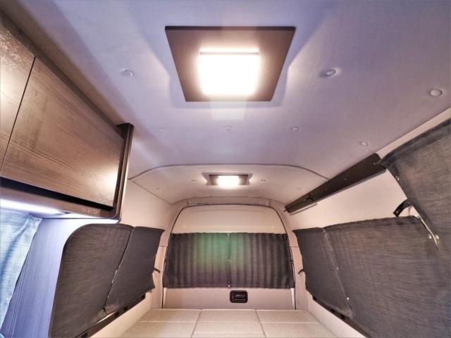 角型ダウンライトがオシャレな暖色LED!
