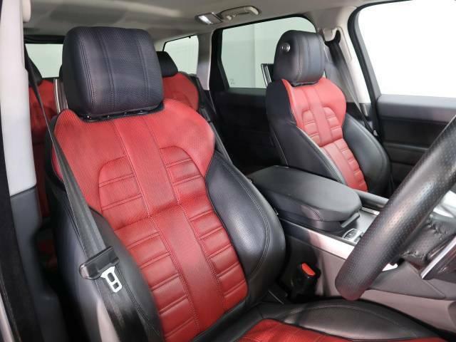 『輸入車ならではの洗練されたインテリア!HSTはブラックとレッドのレザーシートを使用しております!また、『インテリアガード』も扱っています。詳しくは店頭スタッフまで♪