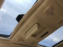 【ツインサンルーフ】サンルーフ装備車両!高級感もアップ、大人気オプション解放感溢れる快適なドライブをお楽しみください♪