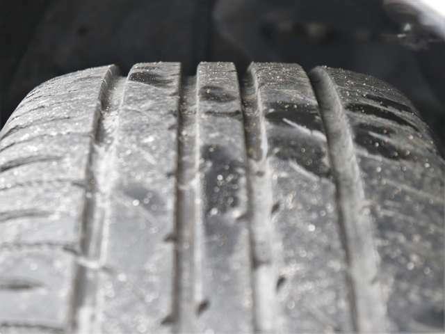 【タイヤ】5分山以上!安心のタイヤで楽しくドライブして下さい!交換の必要もありませんので余分な費用もかかりません!お早めにご検討ください!