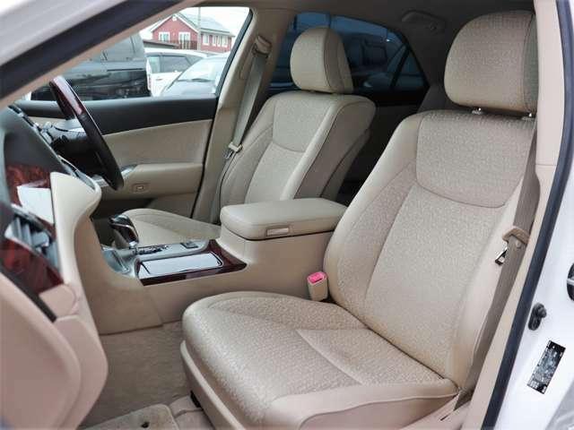 【フロントシート】肌触りの良いシート!座り心地もとってもいいです!もちろんクリーニング済み!