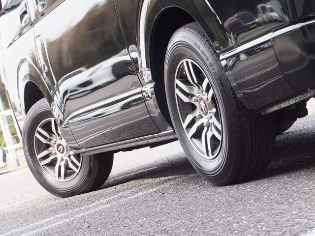 お車は1オーナー禁煙車で、過去3回の車検整備も全てトヨタディーラーで行われております。(トヨタディーラー車検整備記録簿有り)