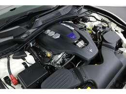 3.0L V型6気筒DOHCツインターボ、430ps/59.1kgm