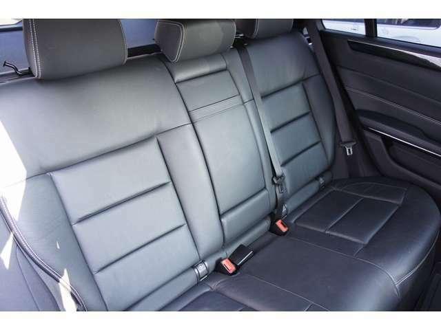 人気オプシディアンブラックのE250SWアバンギャルドレーダーセーフティPKGが入庫致しました。フロント&リアシートにはシートヒーターも完備しています。純正地デジナビ360°カメラETC、パワーバックドア完備です。