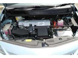 低燃費性能はもちろん、エコな魅力のハイブリッド車です。