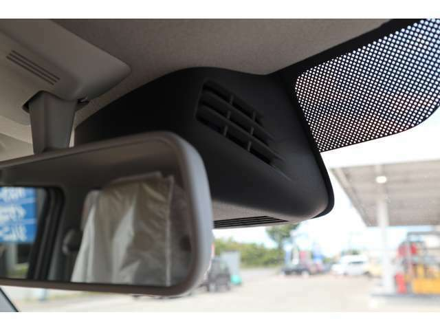 デュアルセンサーブレーキサポート、人も車も認識する衝突軽減ブレーキ。