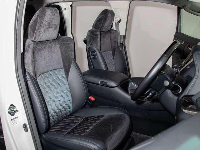 S-C専用ハーフレザーシートを全席採用!高級感のある雰囲気・座り心地を体感して下さい。