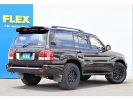 リアのテールはLX470風ルックのテールを取付ております。各所ブラックアウト塗装にて統一感を出しております!