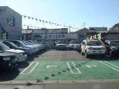 お客様駐車場が第一・第二展示場に合わせて10台分ございます!