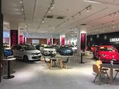 イオンモール内にLIBERALAが初出店。輸入車を身近に。