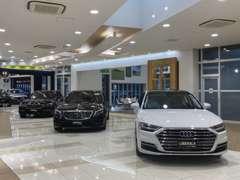 ベンツ・BMW・アウディなど、世界のクルマを多数取揃えております。写真はイギリス車ZENOS。
