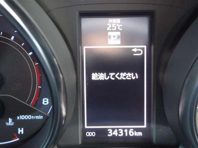 撮影時の走行距離は約3.4万kmです。安心のロングラン保証付きです。