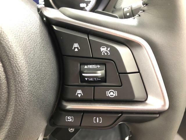 全車速追従クルーズコントロール!!ペダル操作を行わずに速度調整が可能な便利機能です!!