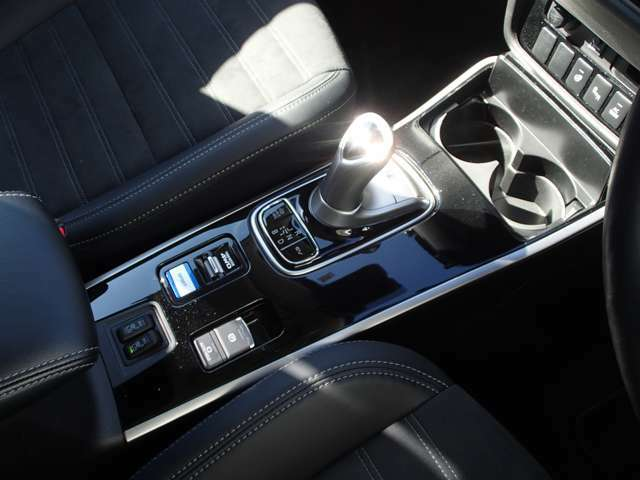 電動パーキングブレーキ/オートホールド機能 スポーツモード/EVプライオリティーモード付