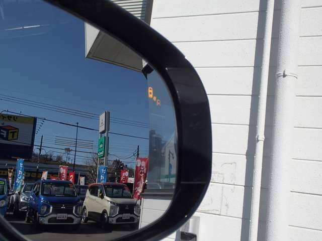 後側方車両検知は駐車スペースからのバック時にも通過する物を感知します。