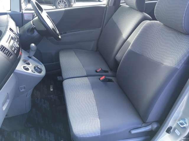 ボディにKAUIボディガラスコーティング施工致します。お車のお手入れは水洗いのみで結構ですし撥水がお好みの方は撥水洗車やコーティング洗車などがおススメです。とてもお手入れが簡単です(^^)/