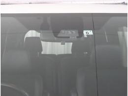 追突予防安全装置のトヨタセーフティセンスが装備されています。