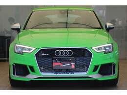 Audi 認定中古車保証は、エンジンやトランスミッション・ブレーキ等の主要部品を含み、距離無制限(期限は車種により異なります。)有償で延長保証+1年を設定。お問合せはフリーダイヤル【0066-9711-222859】へ