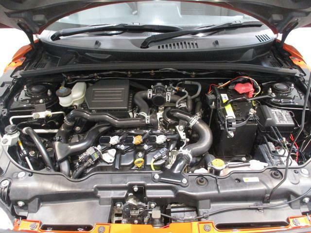 CVTターボエンジンの軽快な加速もコペンの持ち味です!車体も軽くスイスイ走ります!