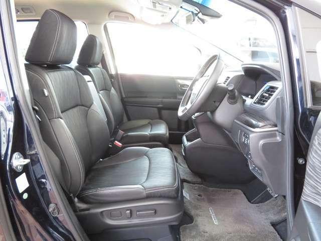 【電動シート】フロントシートには電動パーワーシートを採用★シート前後のスライド・リクライニングの角度、高さを電動で調整可能です★