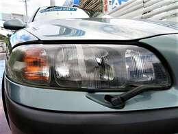 曇りやクスミのないキレイなヘッドライト♪ヘッドライトレンズもキレイなので車の印象も良くなりますね♪別途でHIDライトの取り付けも行いますのでお気軽にお問い合わせください♪
