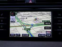 純正オプションのパナソニック製ナビゲーションを装備。フルセグTV視聴も可能です。