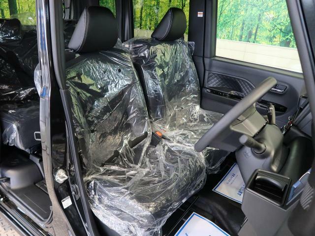 高級感のある「ブラックファブリックシート」!!さらにベンチシート&アームレスト付☆高級感ある内装で優雅にドライブをお楽しみいただけることでしょう♪