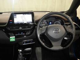 内装は、かっこいいだけでなく、ドライバーにとって使いやすく、また、安全に設計されております。