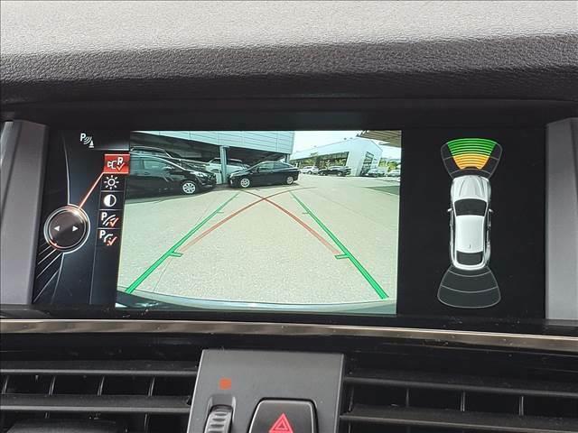 バックカメラで後方確認g可能ですので、駐車も安心ですね。