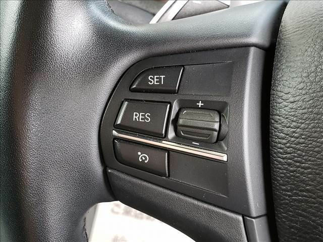 高速道路で便利な【クルーズコントロール】装備です!追従機能も装備されています。