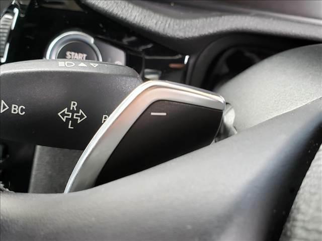 【パドルシフト】装備です。こちらのシフトでMT車両のように楽しむことも可能です。