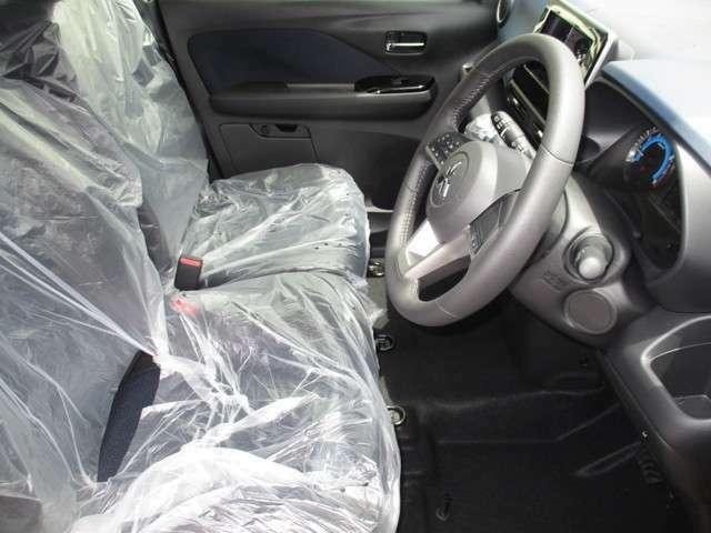 フロントシート。両席にシートヒーターが付いてます♪
