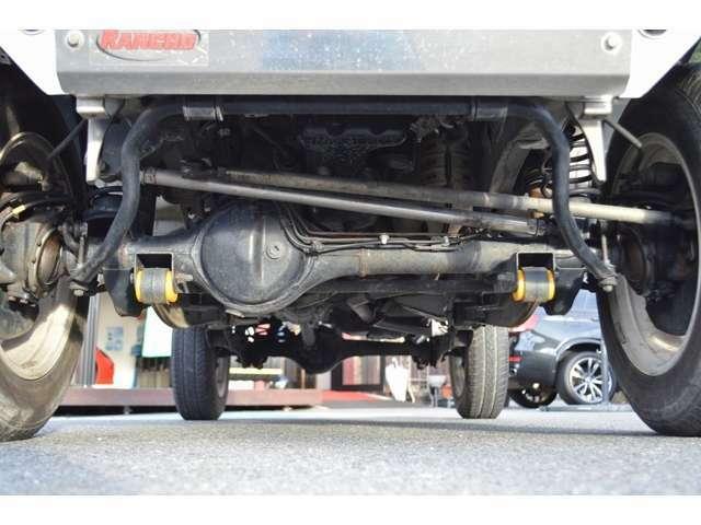 お車の車検整備もお受付致しております。他店で高額な継続車検見積をされた方、一度当社の見積りと比較して下さい。同じ作業内容でも違いが有りますよ。