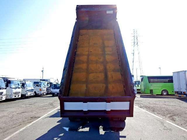燃料タンク200L×1 バックカメラ オートクルーズ