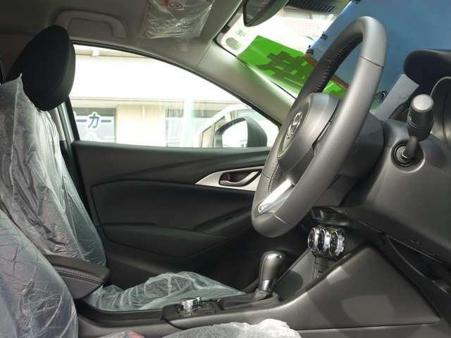運転席、キレイです。