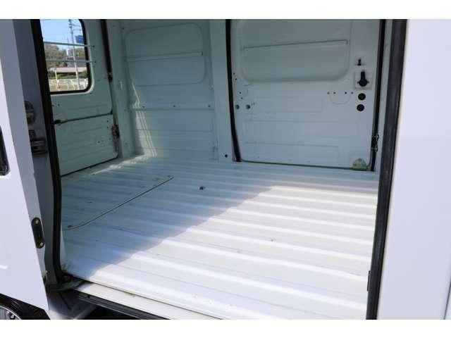 ★左右スライドドアで荷物の出し入れが楽チン♪最大積載量350キロ♪沢山お荷物載せられます!★