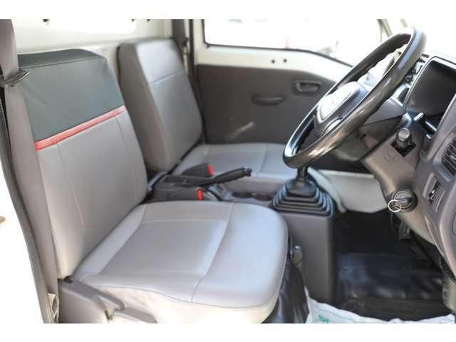 ★元赤帽車はシートもスペシャルです!!耐久性のあるシートで長距離運転も疲れづらいです♪★