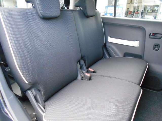 後部座席もキレイです!前のユーザーが丁寧に使っていた証拠です!