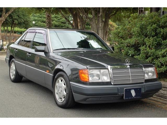 距離1.3万キロのW124がまだありました。内装特にシートかなり綺麗です。是非実車をご覧にお越しください。全国納車可能です。