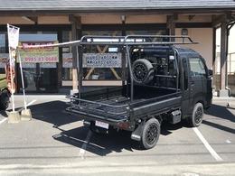 ダイハツ ハイゼットトラック 660 ジャンボ 3方開 4WD ・5速マニュアル・コンプリート仕様