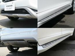 オプションのランニングボード&エクステリアスタイリングキットを装備!(OP価格362,780円)車体にさらなる力強さと優美な印象を与え、ランニングボードで乗り降りの際やルーフへのアプローチにも便利♪