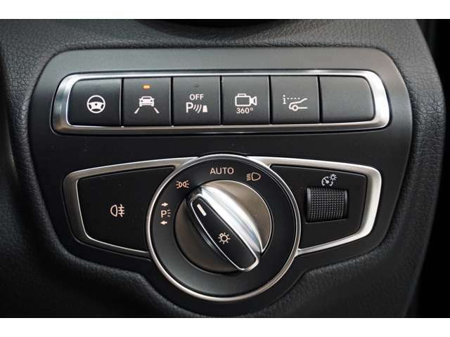 運転操作をサポートし、疲れにくく上質な環境を提供するために、様々な装備を採用。