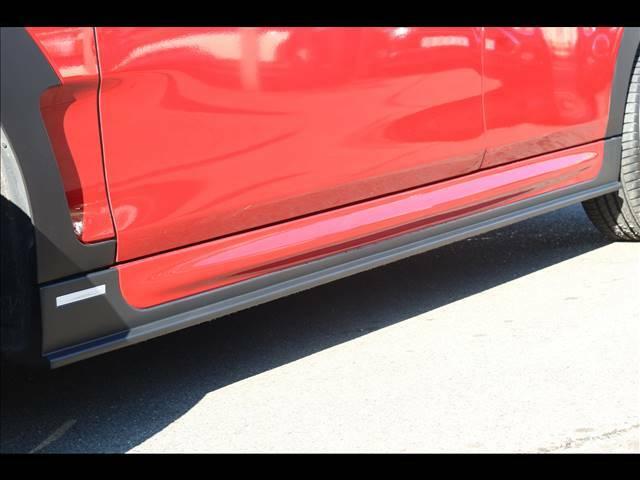 弊社取り付け新品DuelL AGサイドステップVer1.1が装備されております。115,000円(税、塗装、工賃別)が車両価格に含まれており大変お得な1台となっております。