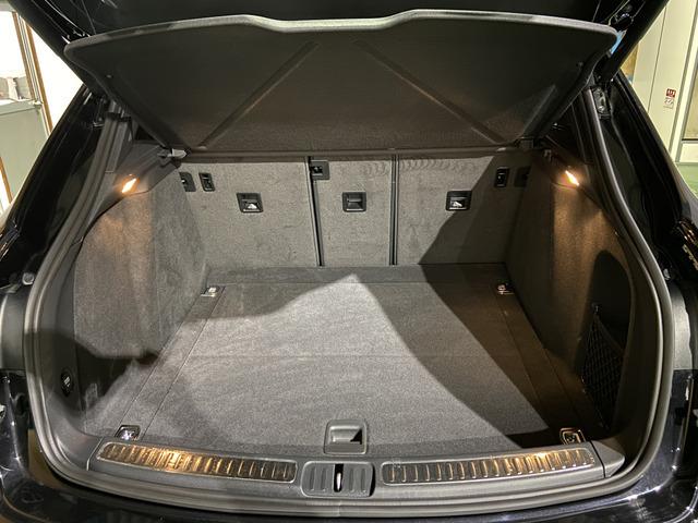 電動リアゲート お荷物もしっかり入るスペースになっております