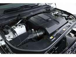 5.0リッターV型8気筒DOHCスーパーチャージャー