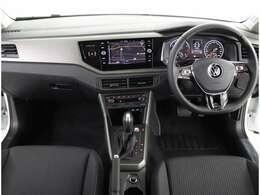 ★マルチファンクションインジケーターはドライバーのステアリング入力や角度をモニタリングします。疲労や眠気による急なステアリング操作など通常の運転パターン異なる動きを検知して表示と警告音で休息を促します