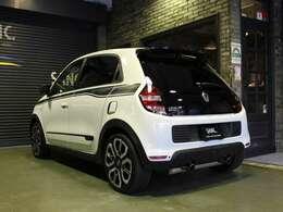 日本専用デザインの100台限定車、ルノースポールが手がけるトゥインゴGTブラン 6速AT(EDC)です。